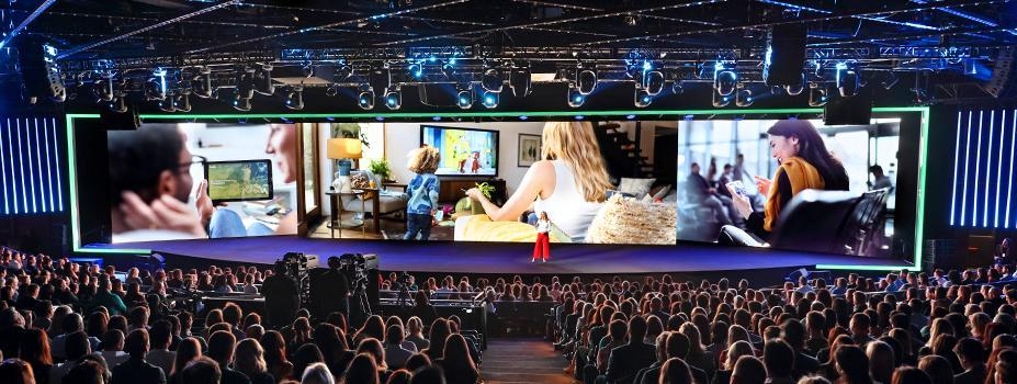 Scenic Lighting: Hulu Upfront Event
