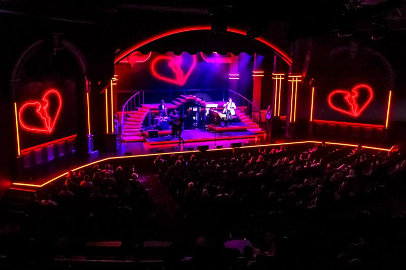 Elvis Presley's Heartbreak Hotel in Concert